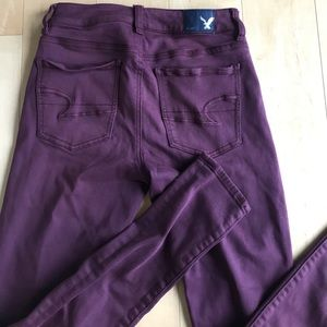 American Eagle wine colored skinny jeans size 2